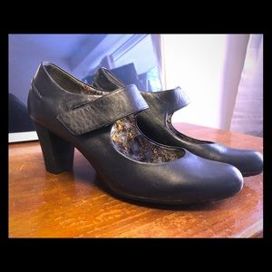 Camper heeled Mary Janes, nearly new! Size 39.